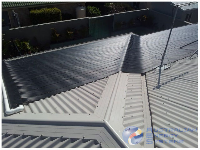 Nanoteck Solar pool heating tube put over house roof
