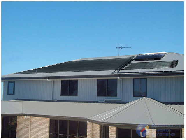 Rooftop with Grey woodland solar pool heating tube
