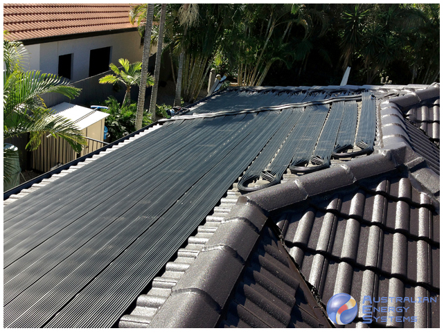 solar pool heating panel - snake style panel